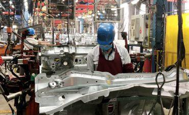 Việt Nam xuất siêu hơn nửa tỉ đô la linh kiện ô tô