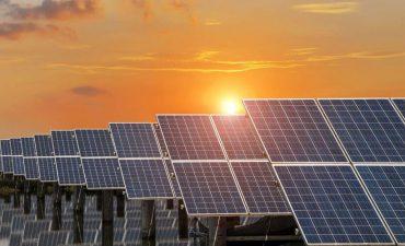 Giật mình khi pin năng lượng mặt trời của Việt Nam dính điều tra về giá